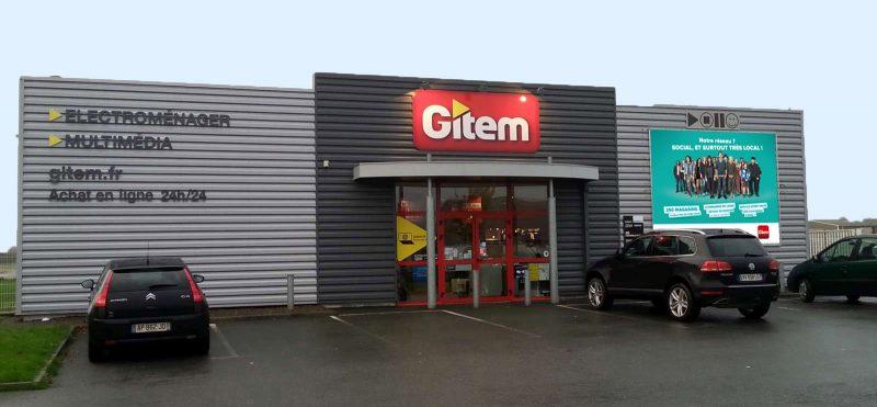 Exemple d'une façade de magasin Gitem modernisée